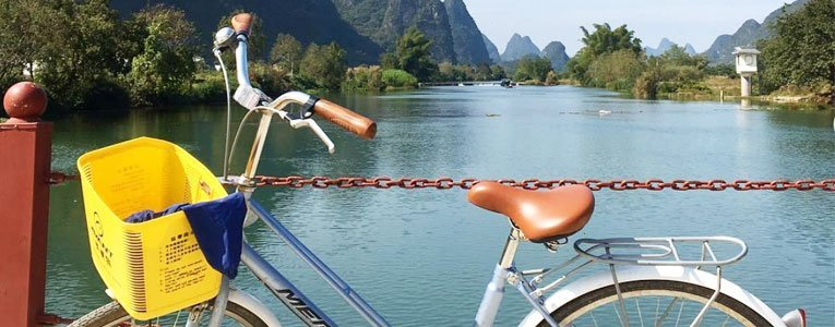 cycling-along-the-yu-long-river-in-the-yangshuo-countryside