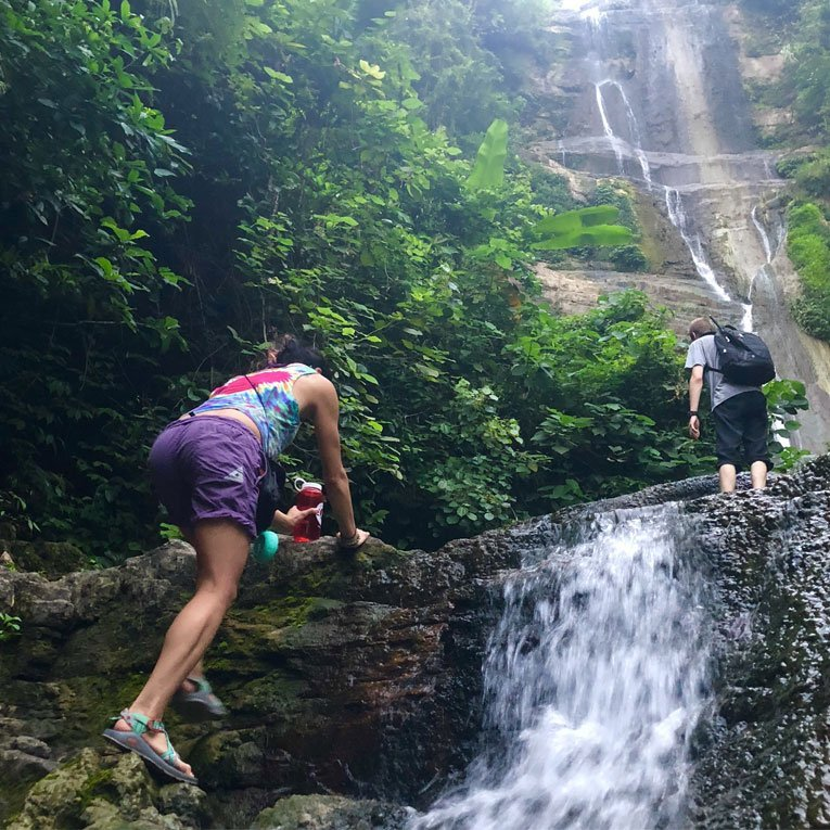 hiking-the-pu-bu-tang-waterfall-in-yangshuo
