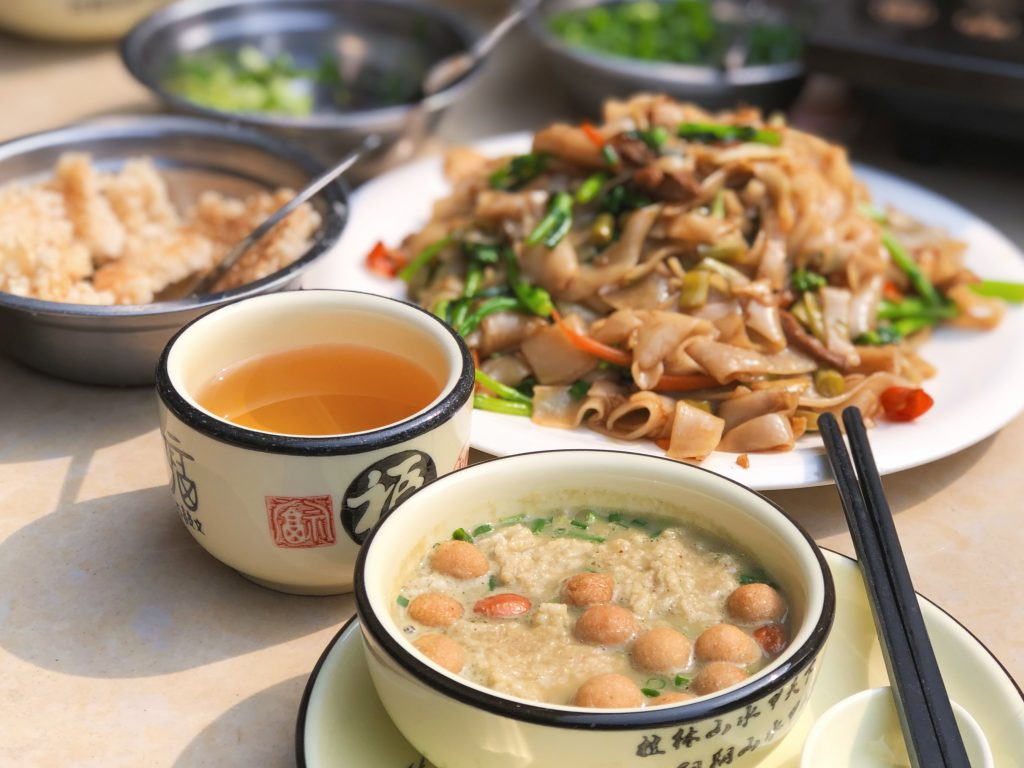 yangshuo food oil tea
